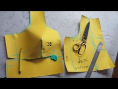 One tux katory blouse prefect cutting size 38 Saree Blouse Neck Designs, Saree Blouse Patterns, Dress Sewing Patterns, Lehenga Pattern, Pattern Sewing, Princess Cut Blouse, Blouse Tutorial, Sewing Blouses, Sewing Shorts