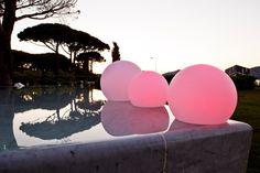 Alle S&G LED-Leuchten sind wasserfest, manche eignen sich jedoch eher als andere für den Einsatz als Schwimmleuchten.