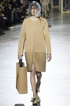 Christopher Kane Autumn/Winter 2016 - 2017 FW/16 17 Ready To Wear London Fashion Week #LFW