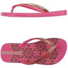 Ipanema Thong Sandal ($24) ❤ liked on Polyvore featuring shoes, sandals, fuchsia, round cap, thong sandals, flat shoes, round toe shoes and rubber sandals