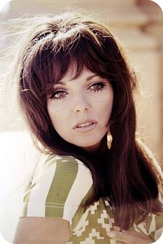 A young Joan Collins... so breathtaking.