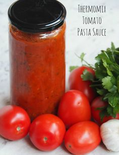 Meatless Monday – Thermomix Tomato Pasta Sauce Since I've watched all those game changing food documentaries, I've become keener than ever to avoid processed foods and make my own. This delicious pasta sauce is one such example. Tomato Pasta Sauce, Tomato Relish, Pasta Sauce Recipes, Soup Recipes, Food Documentaries, Bellini Recipe, Cooking Recipes, Healthy Recipes, Savoury Recipes