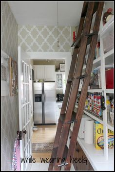 Diy Rolling Library Style Ladder Use A Steel Pipe And