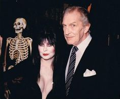 Elvira with Vincent Price ( no doubt Vincent Price had a Gothic heart...❤️)