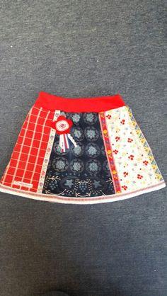 Girls skirt made from folkloric dessins from Staphorst. Looks fabulous on little girls ♡