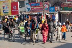 Google Image Result for http://4.bp.blogspot.com/_kLyBIPtjFOY/TI4V4jidUlI/AAAAAAAAACM/3bxna2cyspU/s1600/39_Amritsar%2Bthe%2BStreets%2B2.jpg