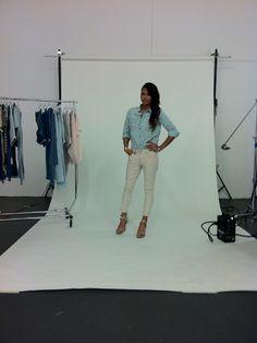 cassie-04-1103-fashion-blogger-bts.jpg