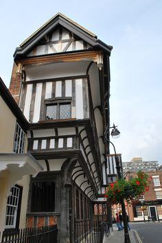 Tudor House, Southampton, structure ideas and print ideas, colour contrast and modern monochrome?