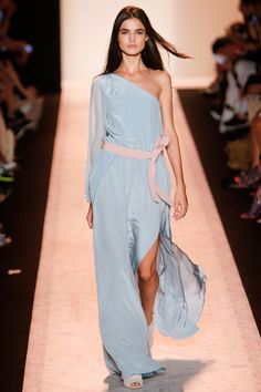 BCBG Max Azria Spring 2015 RTW – Runway – Vogue   This in white