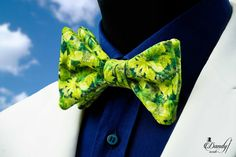 """Dandy inside handmade bow ties all come as limited edition, made in small numbers to make them all unique. We make each of our bow ties individually.  The """"Prêt-à-Porter"""" bow tie Collection all come as pre tied bow ties in 9 different shapes, but you will never find two identical ones."""