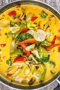 Scharfes Thai-Curry mit geröstetem Gemüse {vegan} | Kaffee & Cupcakes