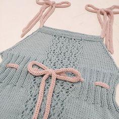 ~ Da har kjolen til min venninnes datter endelig fått stropper og er klar til levering  | A dress for a little princess ready  #knittinglove #strikking #knitting #sandnesgarn #mandarinpetit #kjole #diy #nosteliten #knittersofinstagram #knitsagram #knits #inspiration #inlove