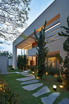 home_facade,houses-house_exterior home_facade houses home modern modernhouse moderndesign modern_exterior art artist architecture amazing_ Future House, My House, Diy Lampe, Design Exterior, Light In, Home Landscaping, Craftsman House Plans, Facade House, Modern House Design