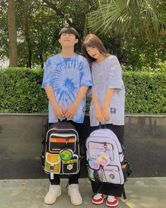 Ulzzang Couple, Ulzzang Boy, Cute Couples Goals, Couple Goals, Japonese Girl, Happy 17th Birthday, Cute Couple Videos, Kawaii Girl, Vera Bradley Backpack