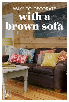 Dark Brown Sofa Living Room, Brown Leather Sofa Living Room Decor, Leather Sofa Decor, Brown Couch Decor, Brown Leather Furniture, Living Room Sofa, Living Room Decor Ideas Brown Sofa, Brown Couch Pillows, Leather Couch Decorating