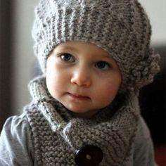 Bonnet et écharpe tricot - Knitting And Crocheting Bonnet Crochet, Knit Crochet, Crochet Hats, Knitting Projects, Knitting Patterns, Crochet Patterns, Baby Hut, Neck Scarves, Single Crochet