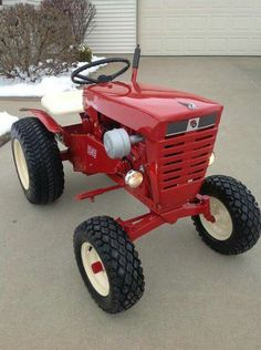 Wheel Horse Tractor, Tractor Mower, Red Tractor, Lawn Mower, Ford Tractors, Lawn Tractors, Small Garden Tractor, Small Tractors, Work Train