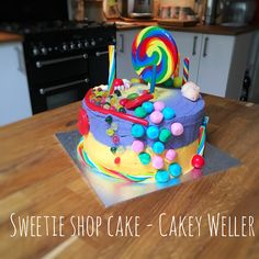 This sweetie cake was for the 6th birthday of the mini-Cakey. Cakey Weller