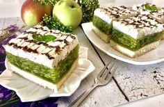 Ciasto Zielone Jabłuszko Pyszne i bardzo efektowne ciasto na lekkim biszkopcie, przełożone masą galaretkową z jabłkami i przykryte śmietankową pierzynką. A całość ozdobiona delikatnymi czekoladowymi zygzaczkami. To ciasto zaskakuje nie tylko rewelacyjnym smakiem, ale i pięknym wyglądem! Przygotowanie ciasta nie jest trudne, należy jednak ściśle stosować się do wskazówek z przepisu, aby wszystko wyszło jak … Baking Tips, Baking Recipes, Cake Recipes, Dessert Recipes, Polish Recipes, Food Cakes, Homemade Cakes, Yummy Cakes, Meal Planning