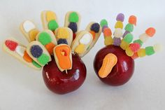Cute craft idea for kids on Thankgiving. (The gumdrop one, not the cookie one!)