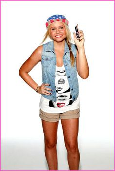 Behind-The-Scenes Photo From Alli Simpson's Broadway Nails Photo Shoot
