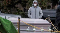 Coronavirus: New York using mass graves amid outbreak - BBC News Mike Pence, Joe Biden, Hart Island, Wisconsin, Michigan, Donald Trump, Rikers Island, Ville New York, Department Of Corrections