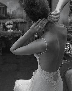 inbal-dror-haute-couture-wedding-gown-backless-spaghetti-strap-wedding-gown-with-lace