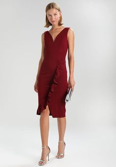 c3b086ee4fb7f5 WAL G. V NECK MIDI WITH ONE SIDED FRILL - Sukienka etui - bordeaux -
