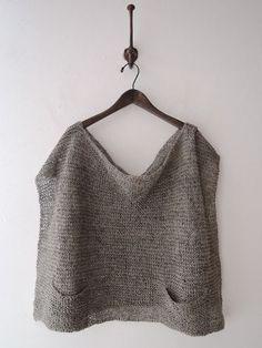 Jurgenlehl etc, Jurgen Lehl Knitting is a method by which yarn is Summer Knitting, Hand Knitting, Knitting Designs, Knitting Projects, Crochet Clothes, Pulls, Knit Cardigan, Knitwear, Knitting Patterns