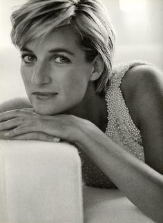 Diana, Princess of Wales - 1997 - Kensington Palace - Vanity Fair - Photo by Mario Testino