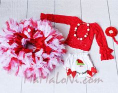 Baby 5pcs Christmas Outfit: Baby girls Christmas bloomers, red flower headband, bubblegum red and white necklace, red lace top, red tutu