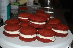 Red velvet whoopsie pies #Pin By:Pinterest++ for iPad# Red Velvet, Deserts, Sweets, Cookies, Recipes, Food, Crack Crackers, Gummi Candy, Candy