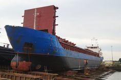 Zonder naam 6 november 2015 bij Dockside Shipfacilities B.V., IJsselmonde voormalige RITSKE  http://koopvaardij.blogspot.nl/2015/11/zonder-naam.html