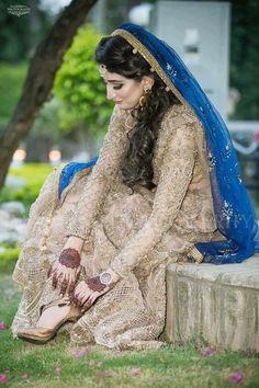 ❤Alizay❤ Asian Bridal Dresses, Pakistani Wedding Dresses, Indian Dresses, Bridal Outfits, Desi Bride, Desi Wedding, Wedding Attire, Walima Dress, Bollywood