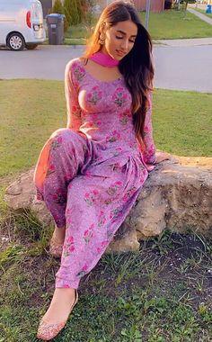 Beautiful Girl Photo, Beautiful Girl Indian, Most Beautiful Indian Actress, Beautiful Models, Indian Photoshoot, Punjabi Girls, Indian Girls Images, Indian Actress Hot Pics, Cute Girl Pic