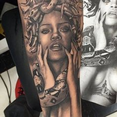 Medusa is the protagonist of one of the most popular Greek myths, and unlike most of the characters from these stories, she's not a god nor a monster Medusa Tattoo, Piercing Tattoo, I Tattoo, Leg Tattoos, Sleeve Tattoos, Tattoos For Guys, Rihanna Face, Medusa Costume, Piercings