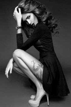 Portrait - Editorial - Fashion - Tattoo - Ink - Dragon - Black and White - Photography - Pose Idea