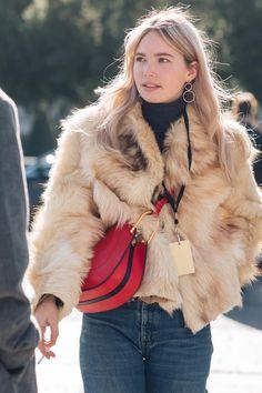 FWAH2017 street style paris fashion week fall winter 2017 2018 trends coats accessories sandra semburg 65