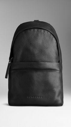 Burberry Single Strap Grainy Leather Sırt Çantası - Siyah