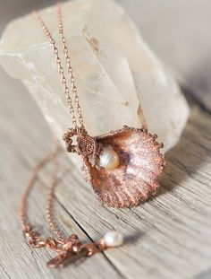 Hey, I found this really awesome Etsy listing at https://www.etsy.com/listing/489768049/shell-pearl-necklace-shell-pendant-pearl