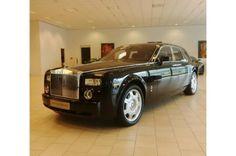 Rolls-Royce Phantom 6.7 V12  € 197.500,-    Kenteken  28-GBK-7   1e registratie  28-02-2007   Kilometerstand  75564 KM   Transmissie  Automaat   Brandstof  Benzine   Motorvermogen  460 pk   Aantal deuren  4   Exterieur  DIAMOND BLACK   Interieur  Zwart / Leder   BTW verrekenbaar  Nee