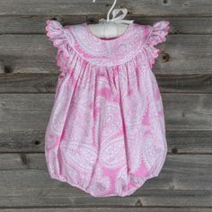 Paisley Lucy Bubble Pink - a classic piece for any occasion