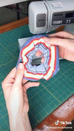 Sewing Hacks, Sewing Tutorials, Sewing Crafts, Sewing Projects, Sewing Patterns, Hair Tutorials, Diy Clothing, Sewing Clothes, Fashion Sewing