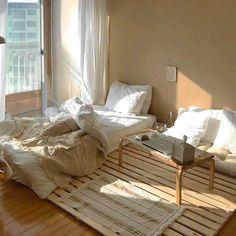 30 Home Decor Ideas - Beautiful And Comfortable Bedroom Decor Ideas Small Room Bedroom, Home Decor Bedroom, Small Bedroom Interior, Ux Design, Home Design, Design Model, Design Ideas, Aesthetic Room Decor, Minimalist Room