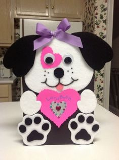 Super CUTE Valentine box ideas for girls include this puppy with a pink heart and bling. Valentine's Day is a great day to show your Cherished Miss how much she's adored. Puppy Valentines, Kinder Valentines, Valentines Day Party, Valentine Day Crafts, Printable Valentine, Valentine Template, Free Printable, Valentine Ideas, Homemade Valentines