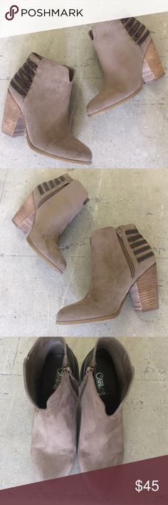 Carlos by Carlos Santana tan suede booties! Like new Carlos by Carlos Santana Hawkins block Heel tan suede booties! Size 7. Only worn a few times. Excellent condition. Heel height 3.5in. man made upper and man made sole. Bundle and save! Carlos Santana Shoes Ankle Boots & Booties
