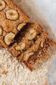 Gezond bananenbrood zonder suiker   Vega Recepten Cereal, Good Food, Veggies, Breakfast, Desserts, Christ, Food Ideas, Van, Drinks