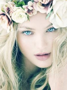 ❀ Flower Maiden Fantasy ❀ beautiful photography of women and flowers - Flowers in her hair.