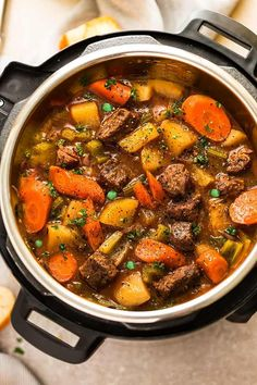 150 Cheap and Easy Instant Pot Dinner Recipes Looking for instant pot recipes that are budget-friendly and easy to make? Here you will find over a hundred cheap and easy instant pot dinner recipes that will help you get Instant Pot Beef Stew Recipe, Instant Pot Dinner Recipes, Beef Recipes For Dinner, Instant Pot Meals, Best Beef Stew Recipe, Instant Pot Pot Roast, Instant Recipes, Fall Crockpot Recipes, Stew Meat Recipes