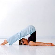 6 yoga poses to relieve congestion : Plow, Bridge, Camel, Bow, Headstand, Standing Forward Bend